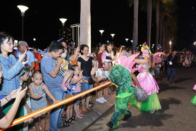 Carnival đường phố DIFF 2019: Đà Nẵng 'vui không khoảng cách' tối 16/6 - 7