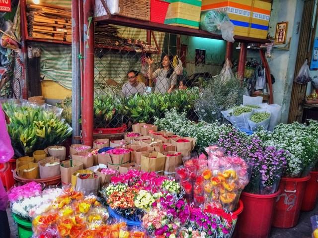 Chợ hoa Quảng An -  Nơi hội tụ sắc hương Hà Nội - 1