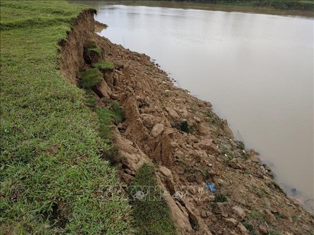 Nạn khai thác cát trái phép vùng giáp ranh Hà Nội: Chế tài xử lý chưa đủ mạnh