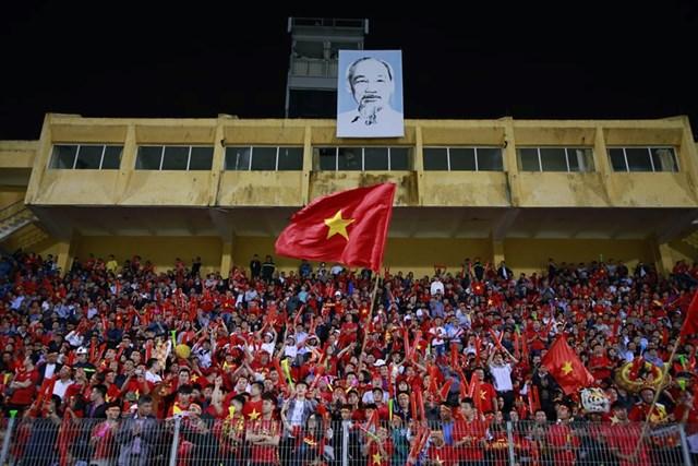 [ẢNH] Việt Nam – Campuchia: Trước giờ bóng lăn