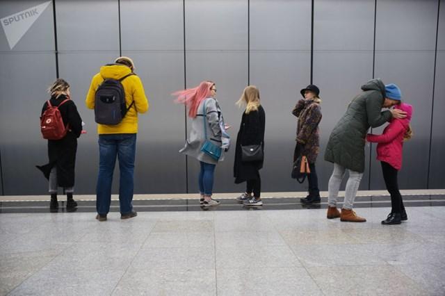 [ẢNH] Kỷ niệm 84 năm 'Moscow Metro': Chuyến tàu vượt 'thời gian' đẹp nhất thế giới - 17