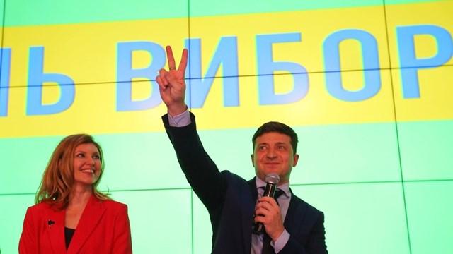 Bầu cử Ukraine: Diễn viên hài Vladimir Zelensky dẫn đầu các cuộc thăm dò