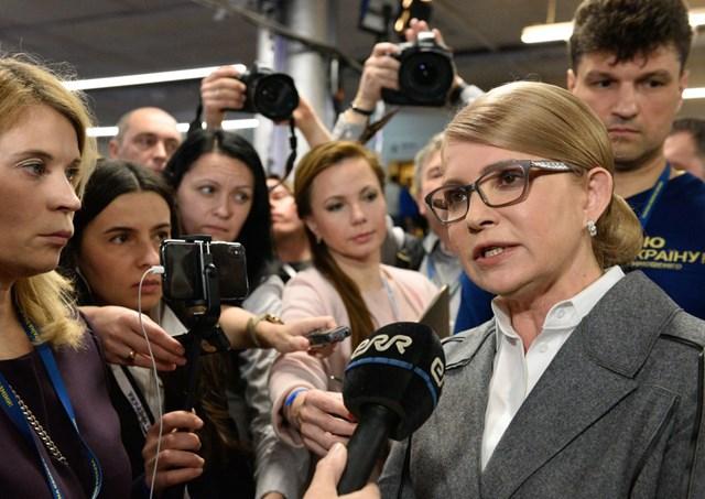 Bầu cử Ukraine: Diễn viên hài Vladimir Zelensky dẫn đầu các cuộc thăm dò - 2
