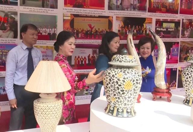 BẢN TIN MẶT TRẬN: TP Hà Nội tổng kết 10 năm thực hiện Cuộc vận động 'Người Việt Nam ưu tiên dùng hàng Việt Nam'