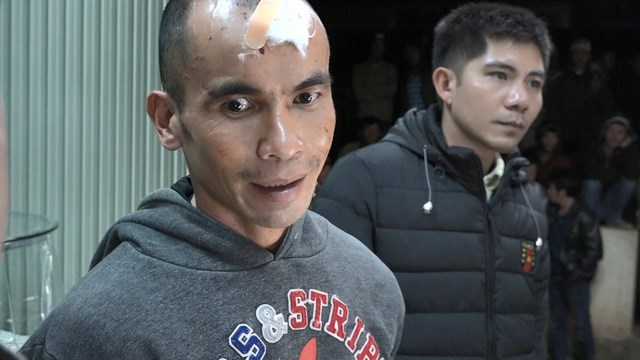 Lâm Đồng: Người dân vây bắt, khống chế nghi can cướp tiệm vàng ngay trong đêm - 2