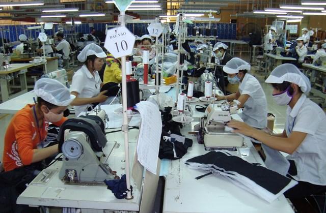 Doanh nghiệp dệt may: Chinh phục thị trường nội - 1