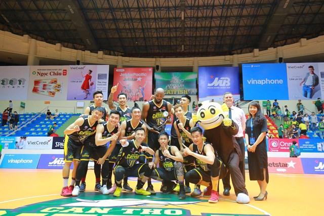 Cantho Catfish đăng quang ngôi vô địch vòng bảng VBA