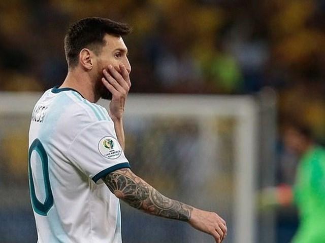Messi đau đớn, tố cáo chủ nhà Brazil 'chơi bẩn' với công nghệ VAR
