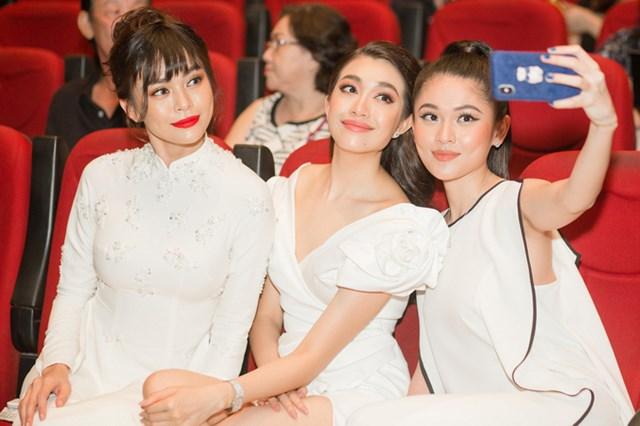 Nhiều mỹ nhân chia vui cùng Hoa hậu Ngọc Hân trong bộ sưu tập mới - 1