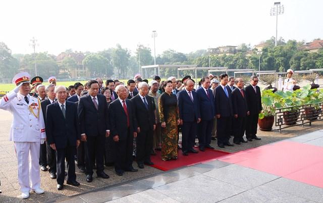 Lãnh đạo Đảng, Nhà nước, MTTQ Việt Nam viếng Chủ tịch Hồ Chí Minh