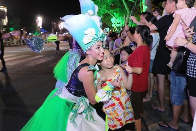Carnival đường phố DIFF 2019: Đà Nẵng 'vui không khoảng cách' tối 16/6 - 5