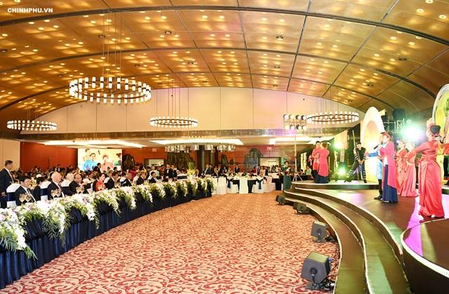 Thủ tướng chủ trì Dạ hội Quảng bá văn hóa Việt Nam - 2