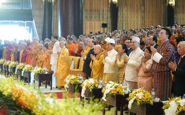 [ẢNH] Thủ tướng Nguyễn Xuân Phúc dự Lễ Khai mạc Đại lễ Vesak 2019 - 2