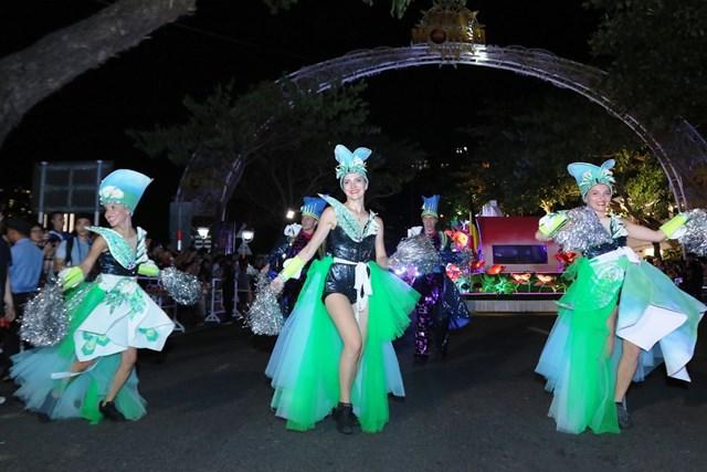 Carnival đường phố DIFF 2019: Đà Nẵng 'vui không khoảng cách' tối 16/6 - 2