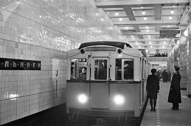 [ẢNH] Kỷ niệm 84 năm 'Moscow Metro': Chuyến tàu vượt 'thời gian' đẹp nhất thế giới