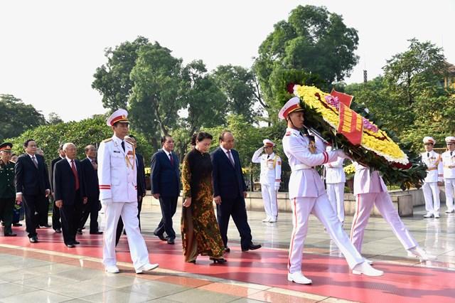 Lãnh đạo Đảng, Nhà nước, MTTQ Việt Nam viếng Chủ tịch Hồ Chí Minh - 2