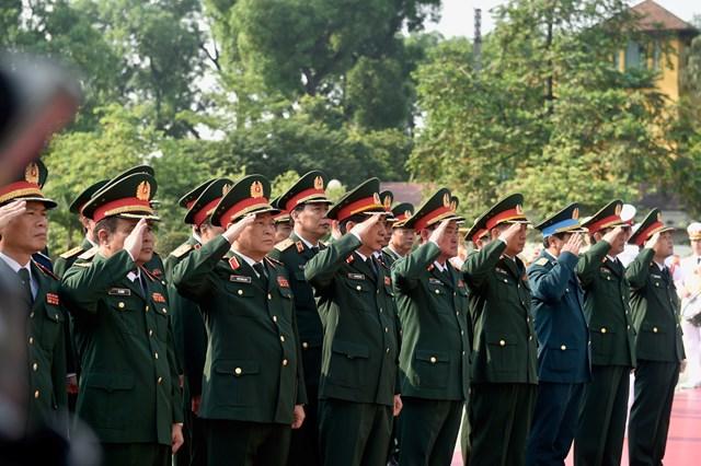 Lãnh đạo Đảng, Nhà nước, MTTQ Việt Nam viếng Chủ tịch Hồ Chí Minh - 4