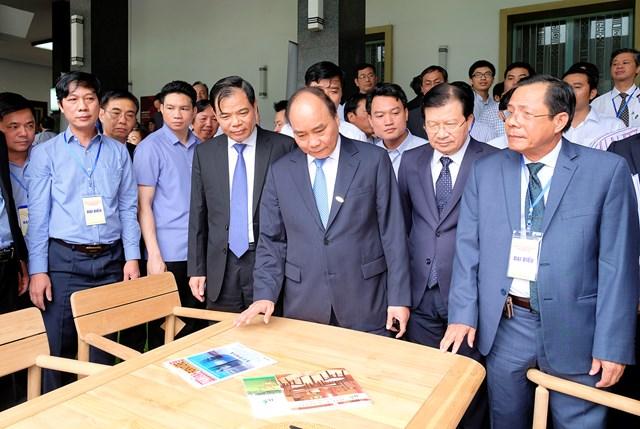 Đưa Việt Nam trở thành trung tâm hàng đầu về sản xuất, xuất khẩu gỗ và lâm sản - 1