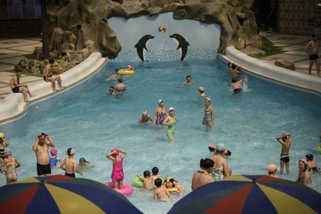 [ẢNH] Người Triều Tiên đối phó với cái nóng mùa hè như thế nào? - 11