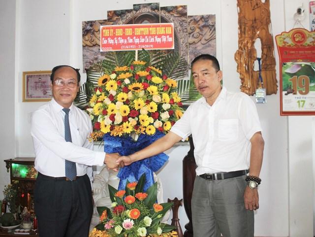 Nhiều đoàn khách thăm Văn phòng báo Đại Đoàn Kết tại Quảng Nam, Quảng Ngãi nhân ngày 21-6 - 1