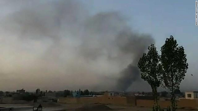 Taliban mở đợt tấn công lớn nhằm vào thành phố chiến lược của Afghanistan
