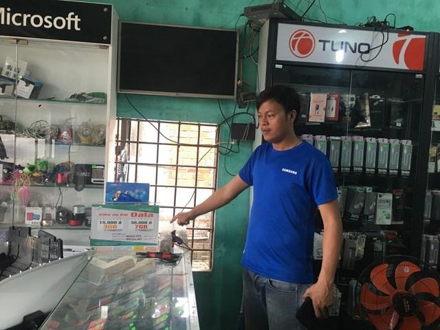 Khởi tố thanh niên 'khoắng' sạch cửa hàng điện thoại - 1