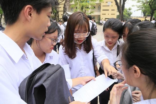 Điểm chuẩn vào đại học dự báo tăng