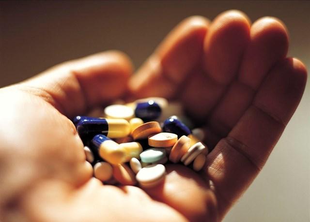 Tự mua thuốc, tự điều trị -  nguy cơ khôn lường