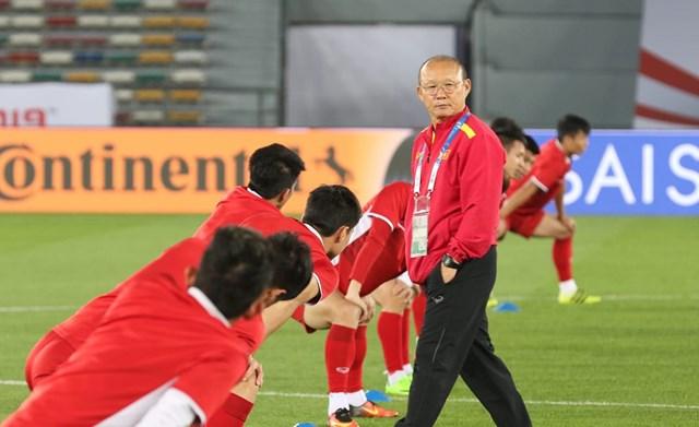 Trước thềm King's Cup: Cầu thủ Việt kiều 'vỡ mộng' góp mặt