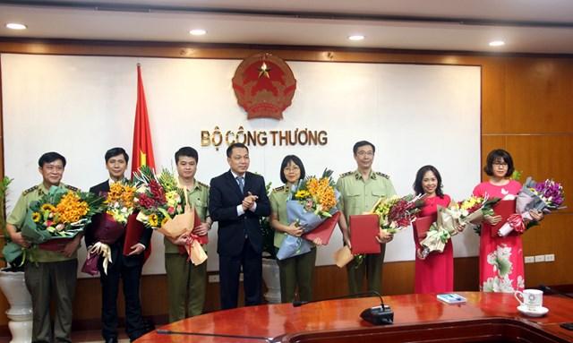 Bộ Công Thương bổ nhiệm nhiều nhân sự chủ chốt tại Tổng cục Quản lý Thị trường