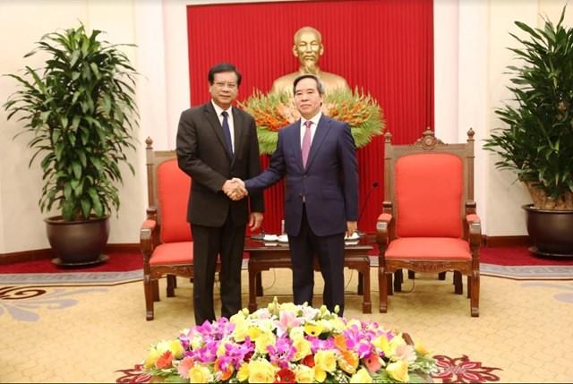 Trưởng Ban Kinh tế Trung ương tiếp Đoàn công tác Viện Nghiên cứu Kinh tế quốc gia Lào