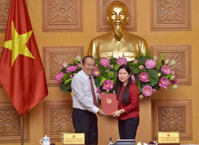 Trao quyết định bổ nhiệm Phó Chủ nhiệm Văn phòng Chính phủ