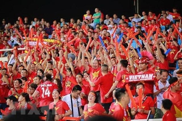 Cổ động viên Việt Nam sẽ 'nhuộm đỏ' khán đài trong trận gặp Thái Lan