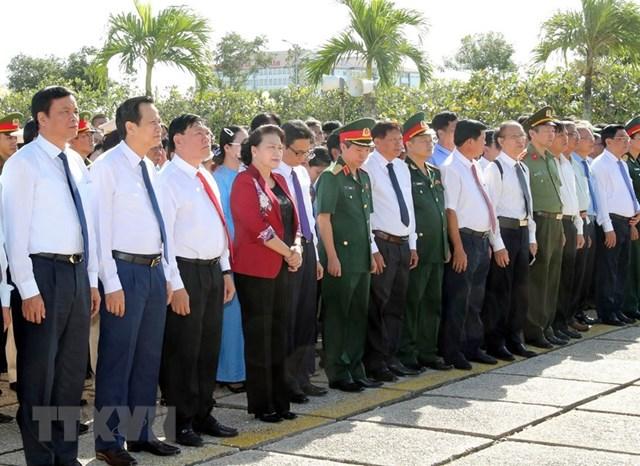 Chủ tịch Quốc hội dự Lễ trao Bằng Tổ quốc ghi công tại tỉnh Vĩnh Long - 2