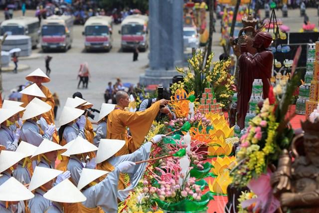 GS Đỗ Quang Hưng nói về đời sống tôn giáo ở Việt Nam: Cái cần có và cái đã có (phần 2)