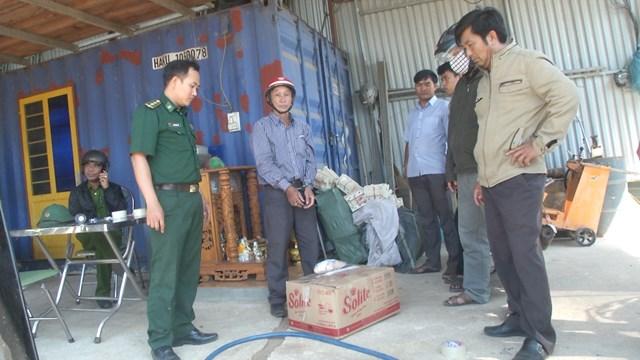 Bắt giữ đối tượng vận chuyển gần 600 kg vật liệu nổ trái phép - 1