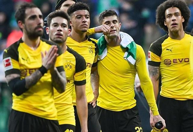 Dortmund mất điểm, Bayern chỉ còn cách ngôi vương 1 trận thắng - 2