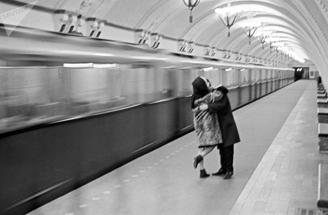 [ẢNH] Kỷ niệm 84 năm 'Moscow Metro': Chuyến tàu vượt 'thời gian' đẹp nhất thế giới - 2
