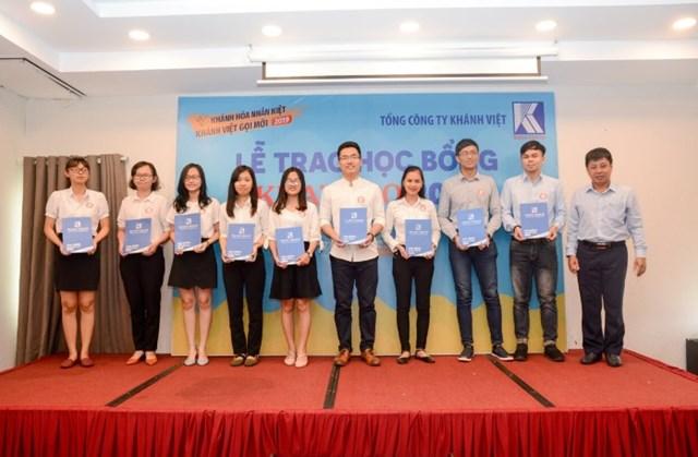 Khatoco tặng học bổng cho 103 sinh viên TP Hồ Chí Minh