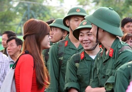 Hơn 18.000 thanh niên Quân khu 7 lên đường nhập ngũ - 5
