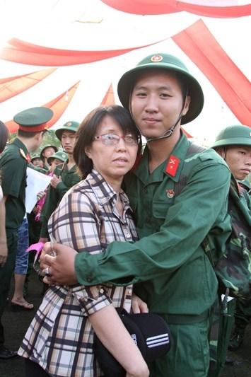 Hơn 18.000 thanh niên Quân khu 7 lên đường nhập ngũ - 6