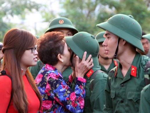 Hơn 18.000 thanh niên Quân khu 7 lên đường nhập ngũ - 7