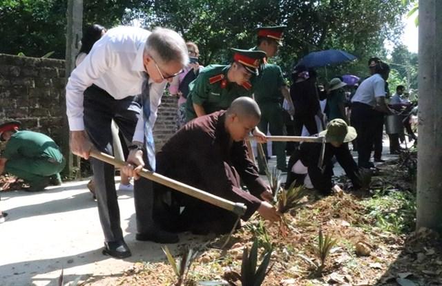 Ủy ban MTTQ TP Hà Nội phối hợp các tổ chức tôn giáo phát động bảo vệ môi trường