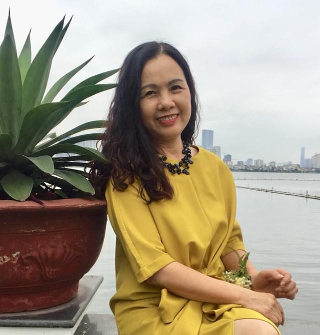 Nhà văn Thuỳ Dương: Cuộc sống có bao giờ toàn màu hồng?