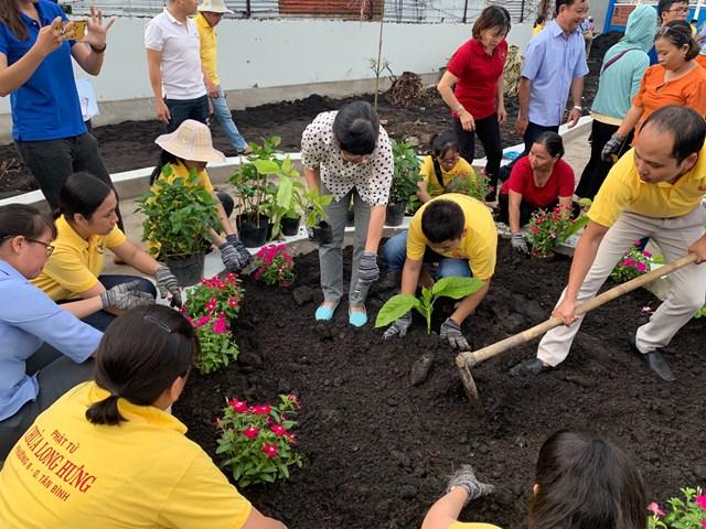 Nét đẹp mô hình 'Tổ tự quản chăm sóc công viên' tại phường Tân Sơn Nhì - 3