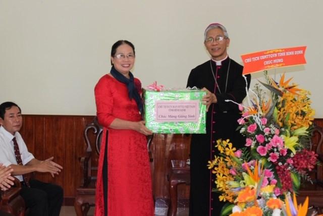 MTTQ tỉnh Bình Định thăm, chúc mừng Giáng sinh 2018