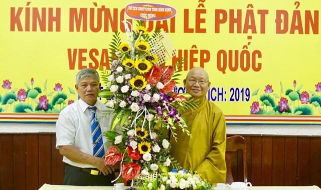 Mặt trận Bình Định thăm và chúc mừng Đại lễ Phật Đản 2019