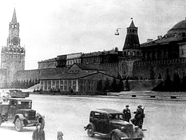 Nga từng tàng hình Điện Kremlin trước 'mưa' hỏa lực của phát xít Đức thế nào? - 1