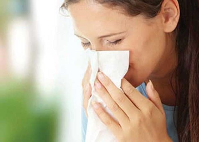 Nguy kịch vì cúm: Hắt hơi, sổ mũi cũng là dấu hiệu nguy hiểm