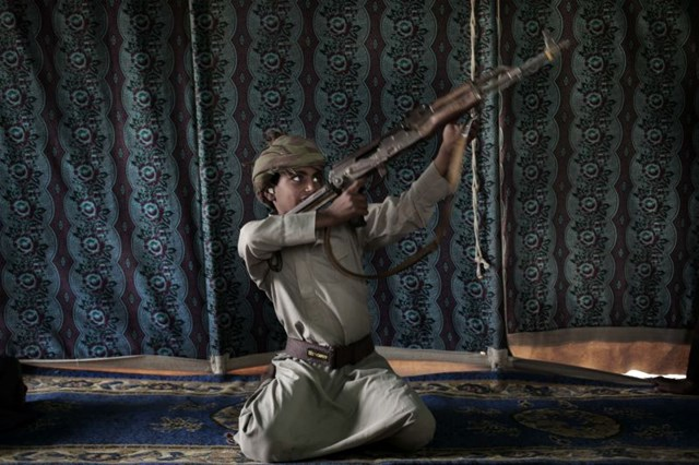 Bi kịch những đứa trẻ cầm súng ở Yemen - 1